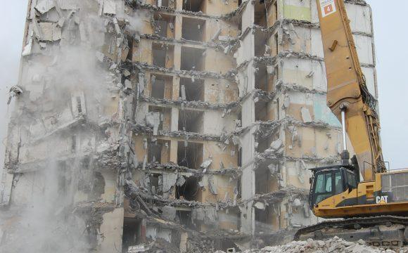 Rozbiórka byłego hotelu pracowniczego FSO