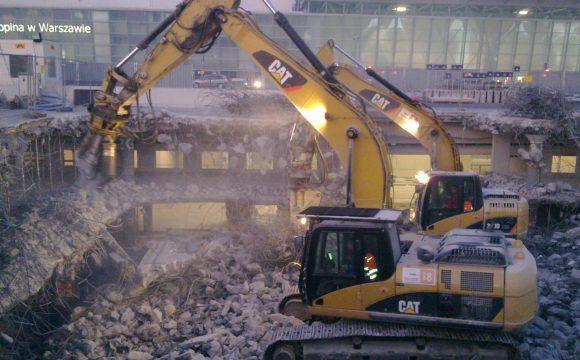 Rozbiórka budynku parkingu zlokalizowanego na lotnisku im F. Chopina w Wraszawie