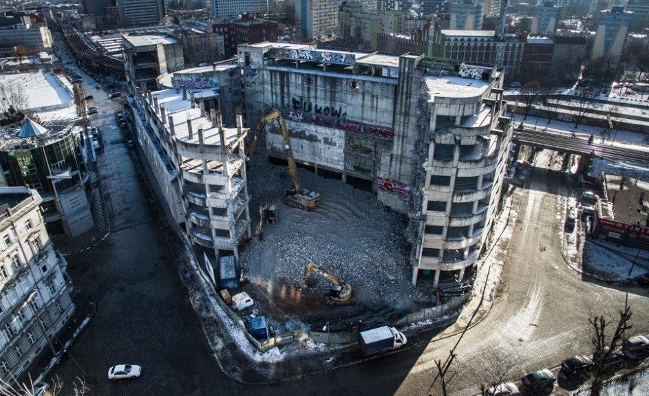Rozbiórka budynku przy ul. Kolejowej 8-10 we Wrocławiu