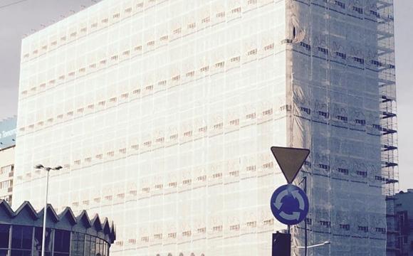 """Rozbiórka budynku """"Universal"""" przy Al. Jerozolimskich 44 w Warszawie"""